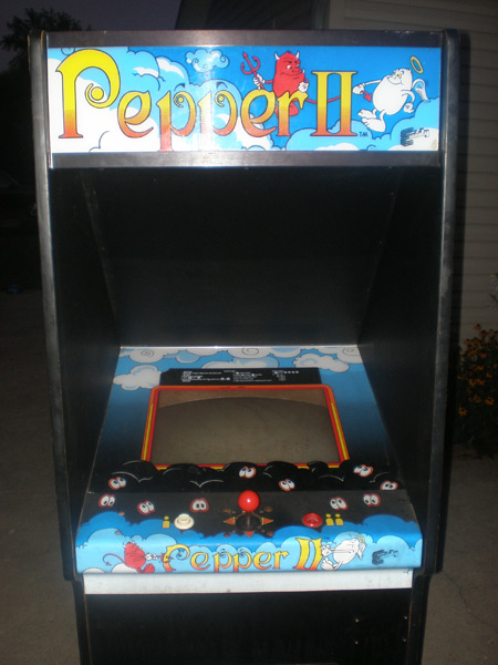Pepper 2 arcade game front view