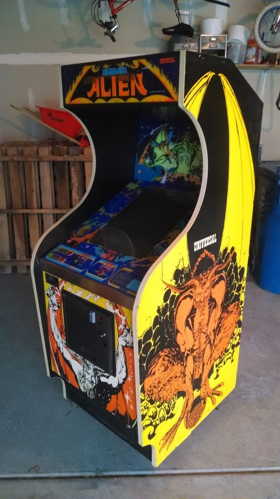 Universal Cosmic Alien Arcade Game