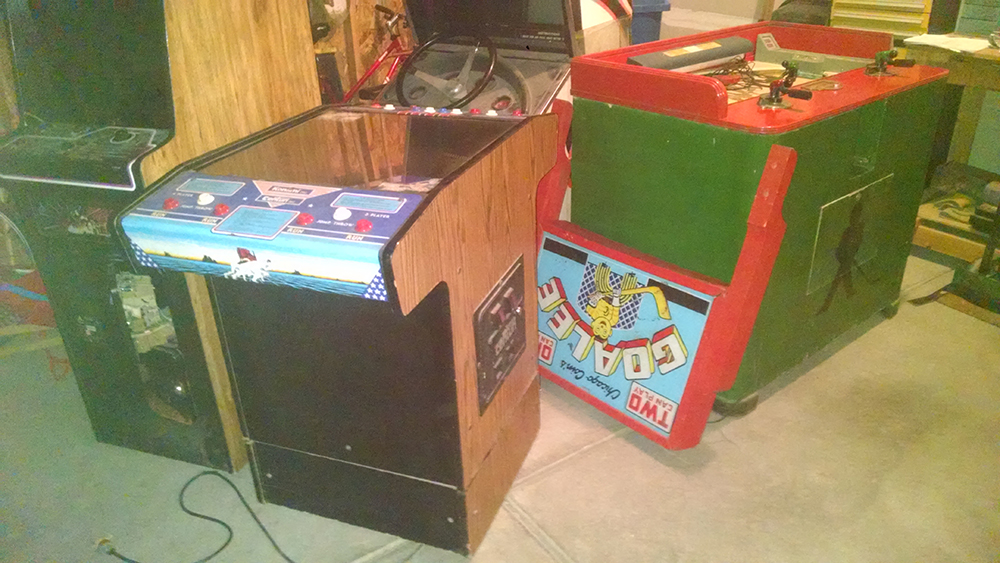 4 Arcade Games - Track & Field, Tempest, Goalee